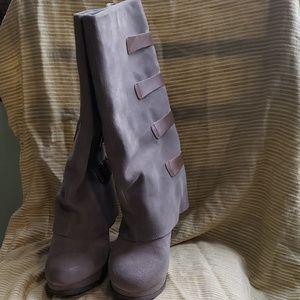 Suede platform boot